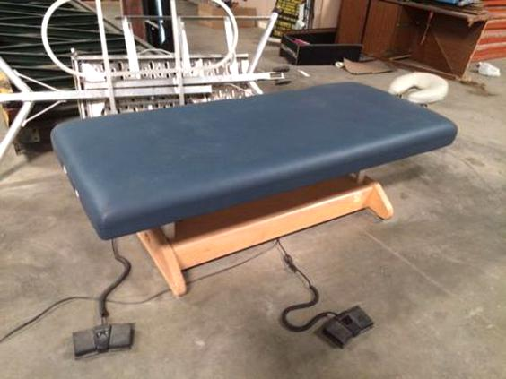Electric Massage Table Oakworks For Sale Only 3 Left At 70