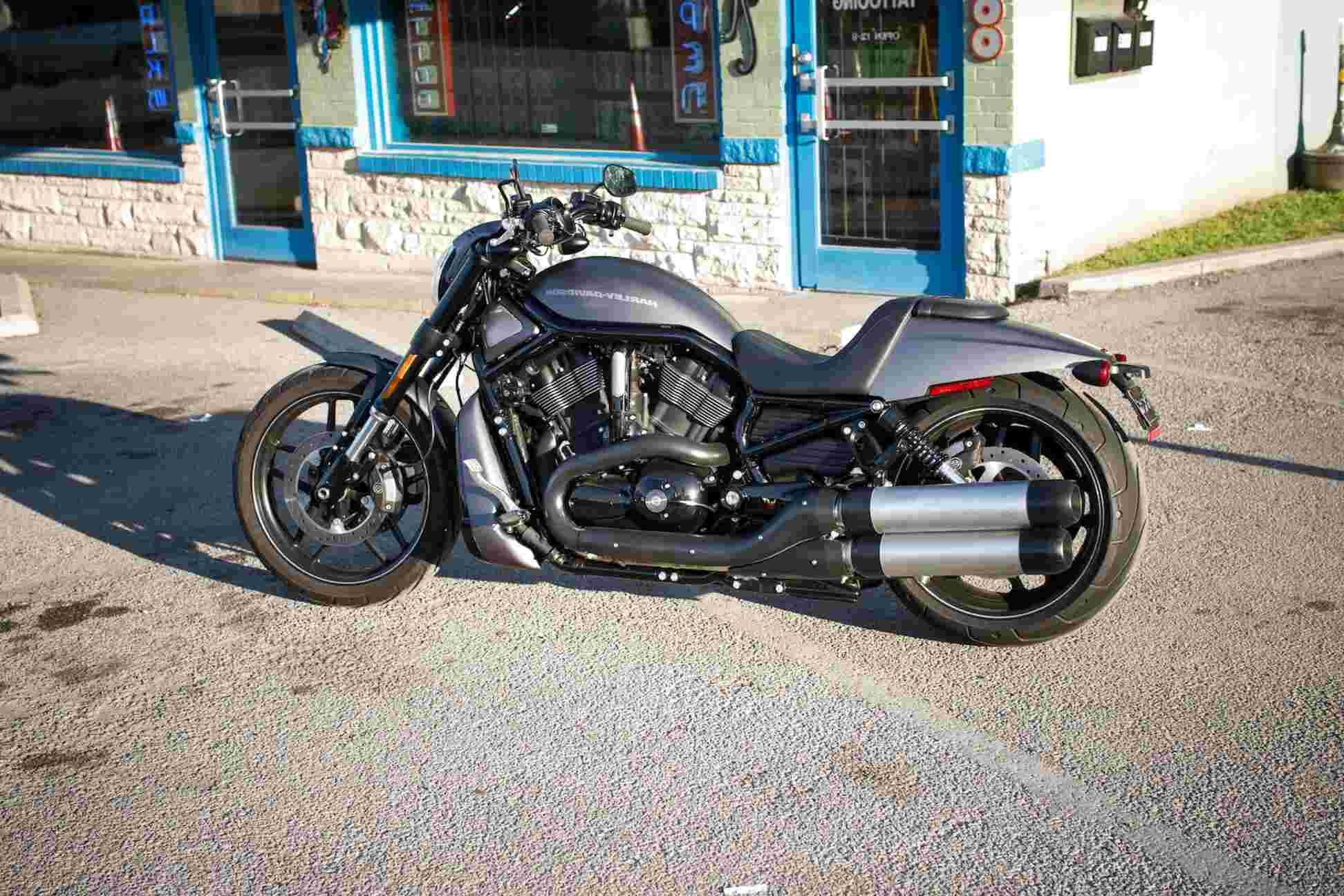 Commento Universale Atomo Harley Davidson V Rod Night Rod Usata Amazon Settimanaciclisticalombarda It