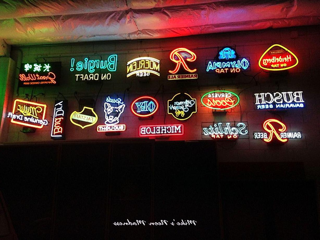 Vintage Neon Beer Signs for sale | Only 3 left at -65%