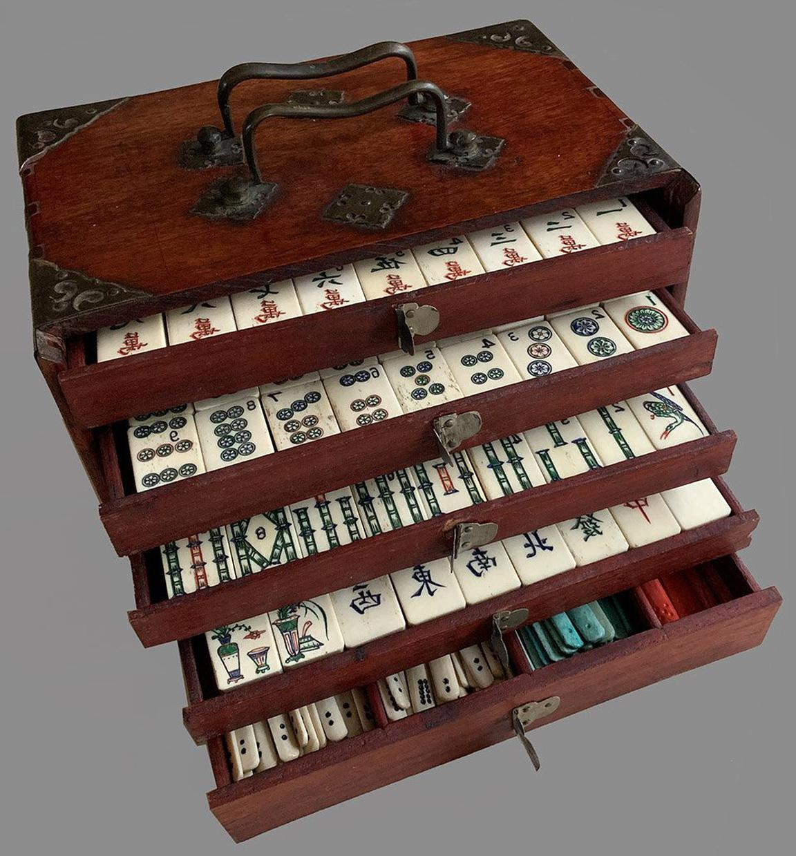 Antique Mahjong Set for sale | Only 2 left at -70%