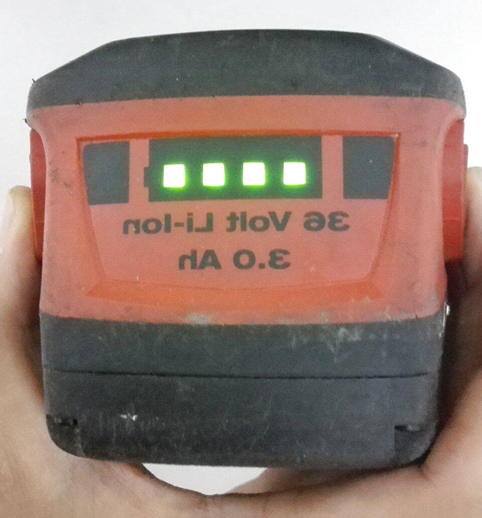 caricabatterie hilti 36v usato