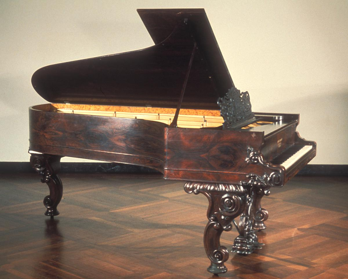 grand piano steinway for sale