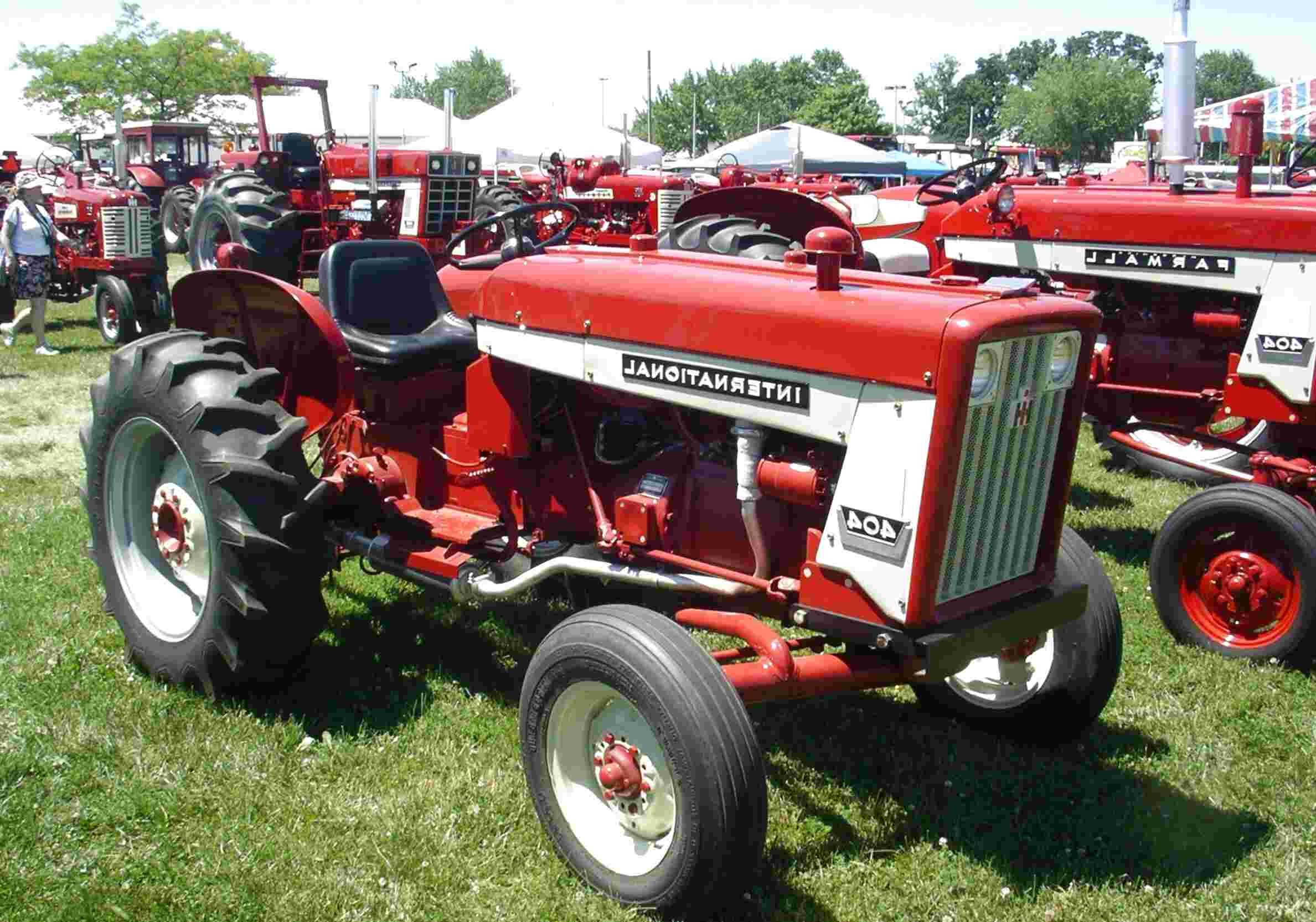 ih 404 tractor for sale
