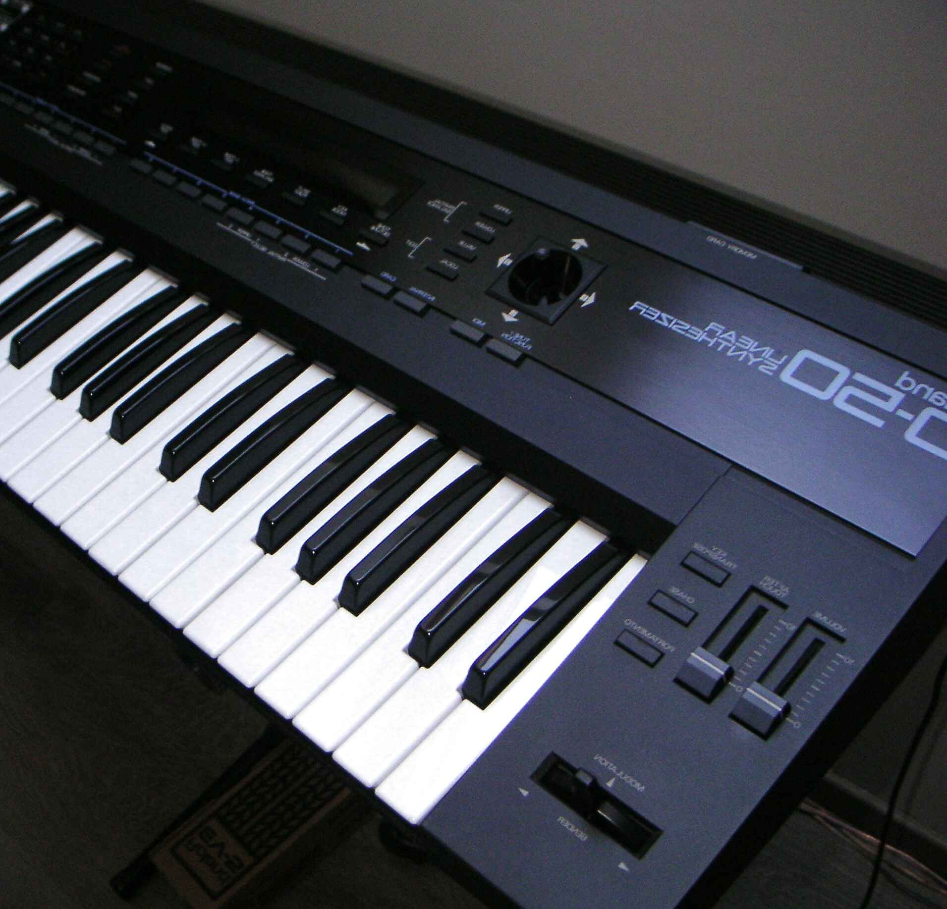 Roland D50 for sale   Only 4 left at -70%