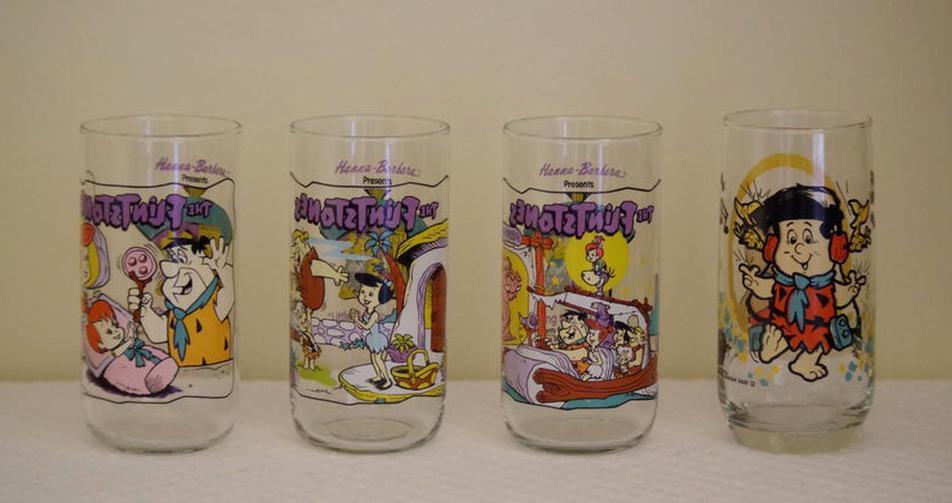Never used 1991 Hardees The Flintstones     Set of 4 glasses