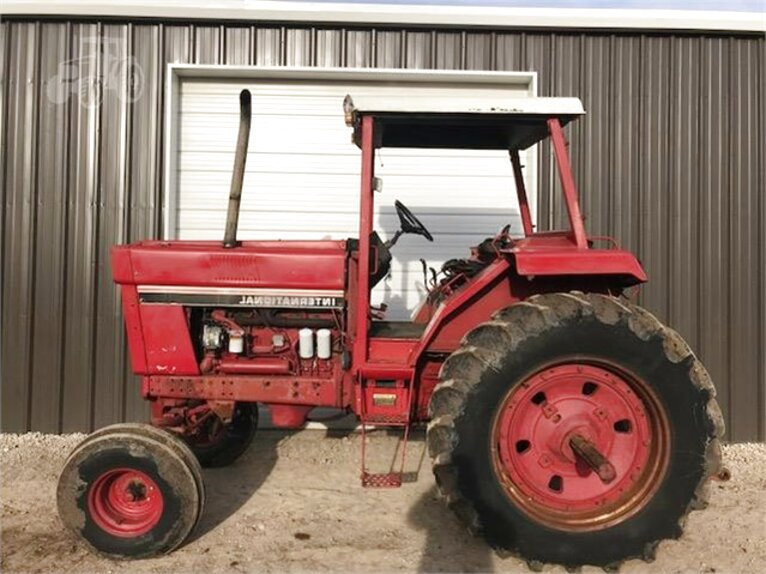 1086 international tractor for sale