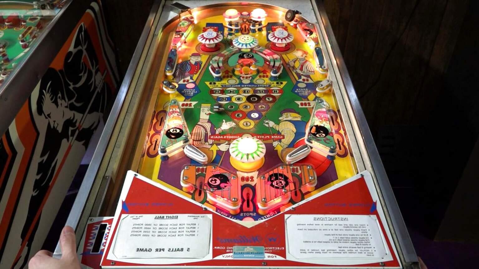 8 ball pinball machine for sale