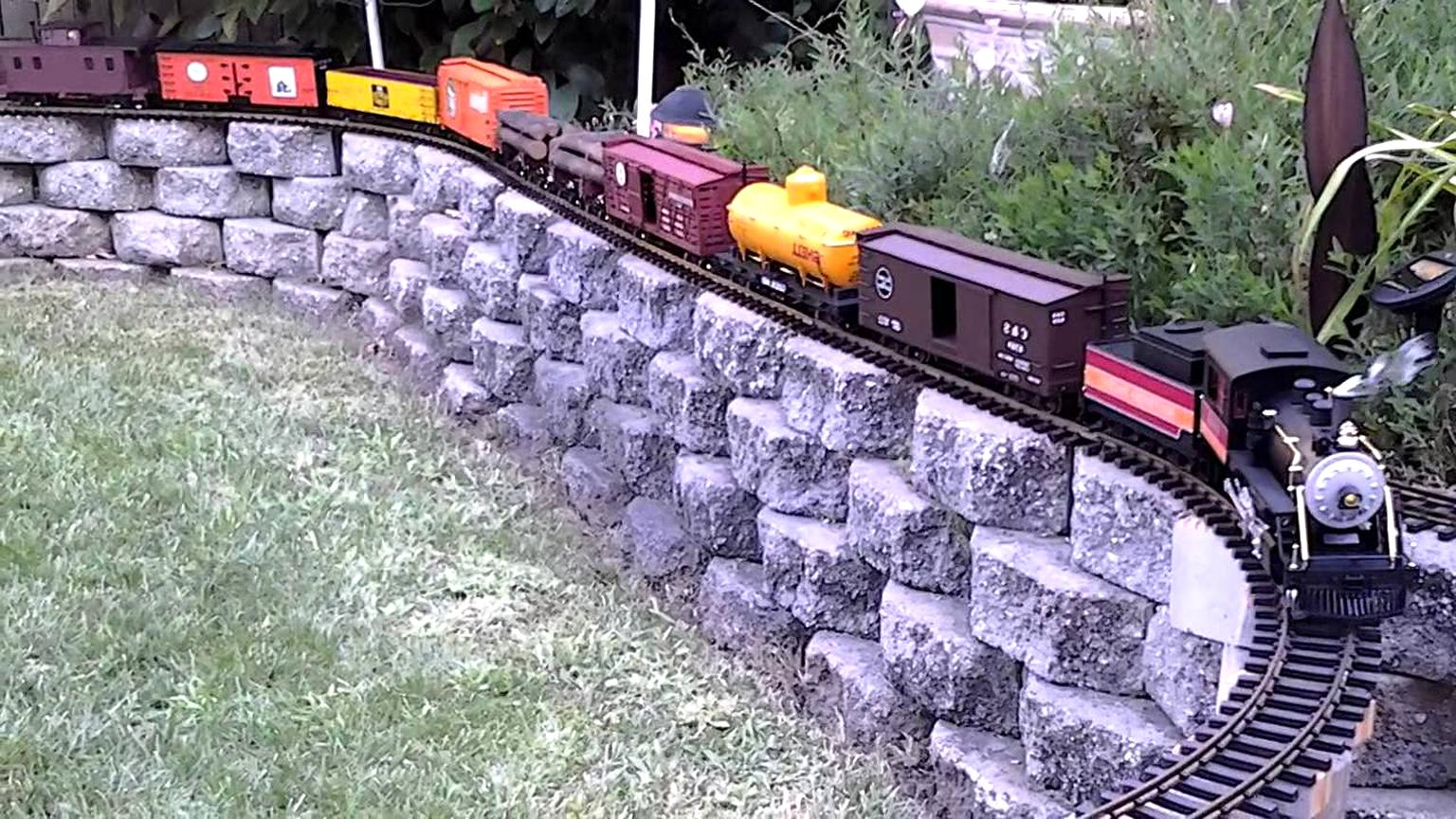 g scale trains locomotive for sale
