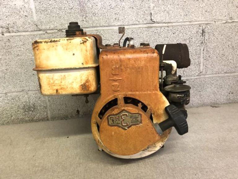 Vintage Briggs Stratton Engine For